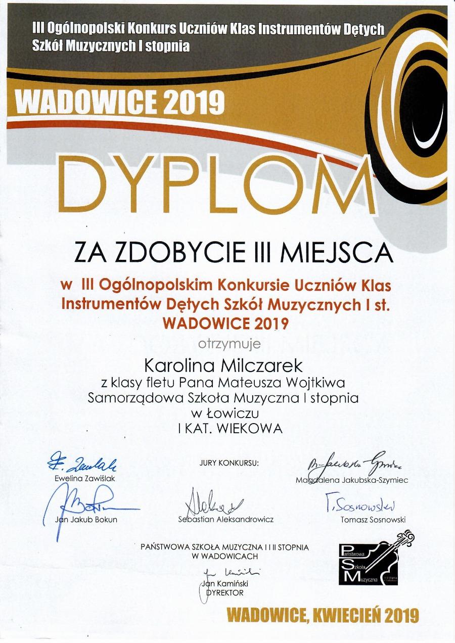 karolina dyplom